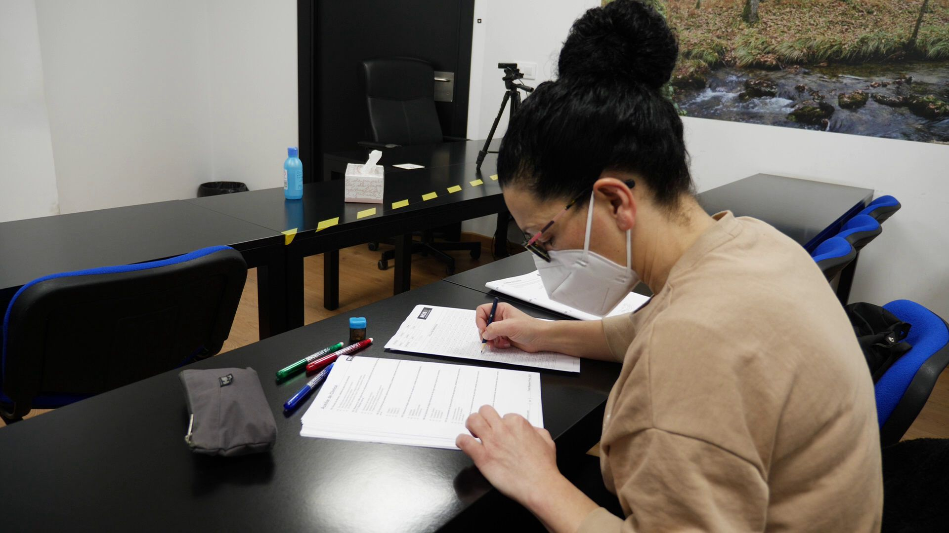 Esther Quintáns, opositora a TCAE, en la academia Nós Oposicións donde preparar las pruebas