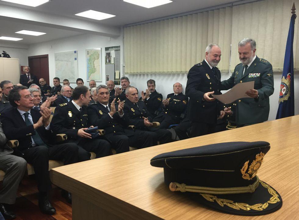 La sede de la Comisaría acogió ayer los actos del aniversario de la creación de la Policía Nacional.
