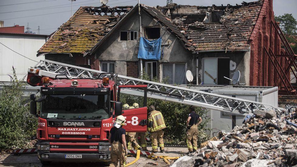 Cuatro fallecidos en un incendio en un edificio de viviendas en Bilbao.De Pedro en el 2003, cuando jugaba en la Real Sociedad