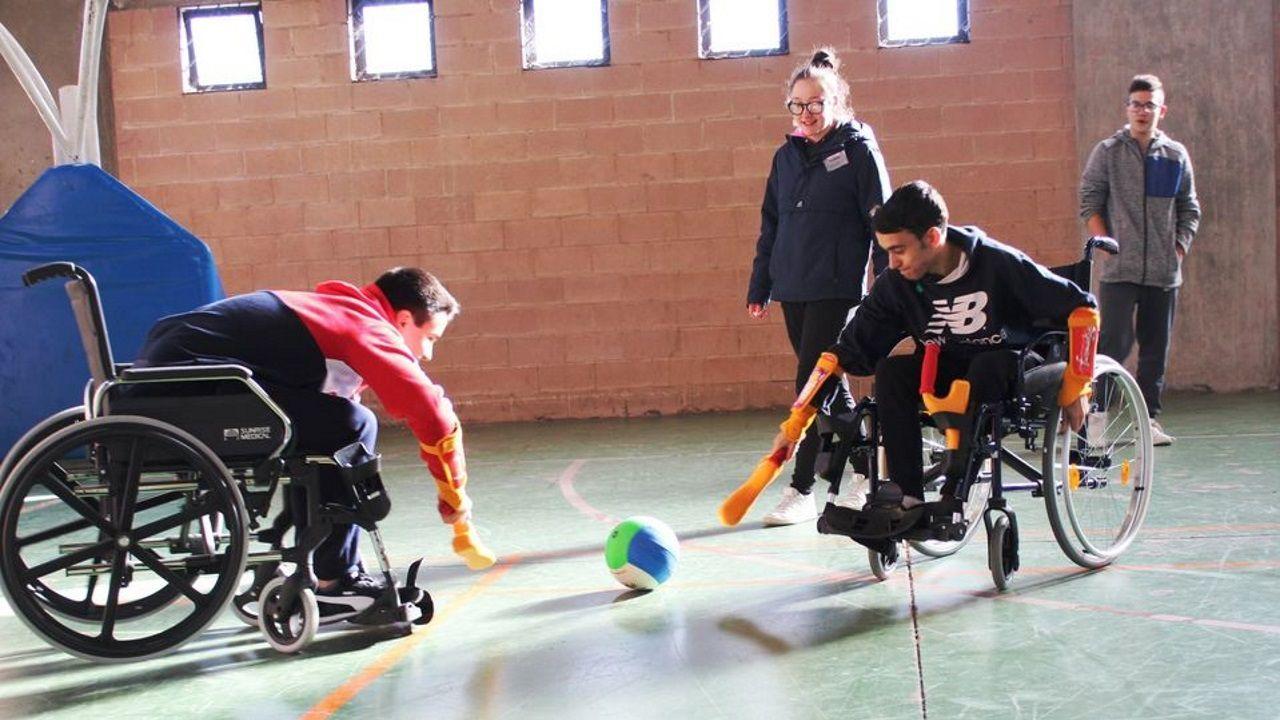 Los alumnos practicaron deportes adaptados en las clases de Educación Física