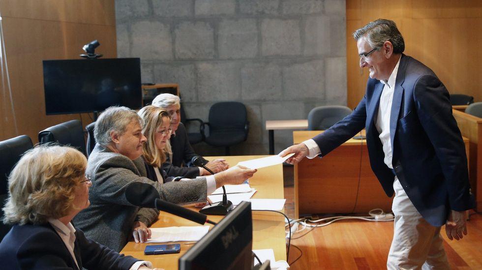 Dilma Rouseff, destituida definitivamente por el Senado como presidenta de Brasil.El senador asturiano Ovidio Sánchez recoge su acta