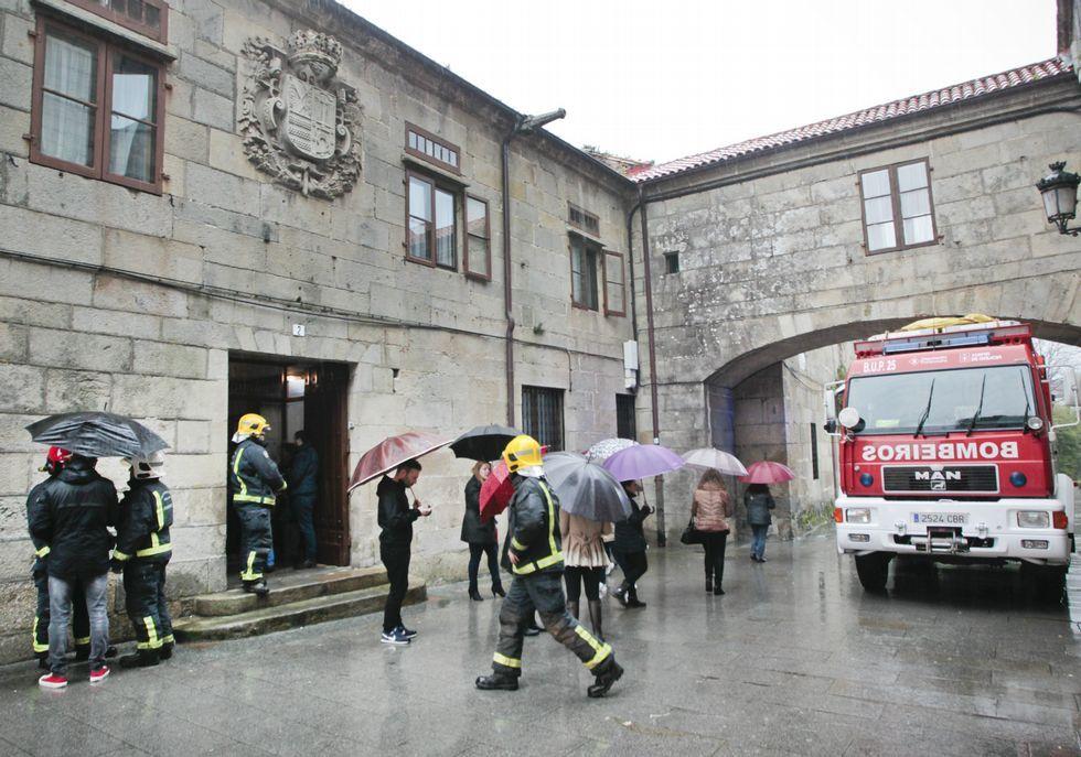 Emoción e creación na entrega dos Premios Asunción Antelo.La alarma, infundada, movilizó a Protección Civil y bomberos.