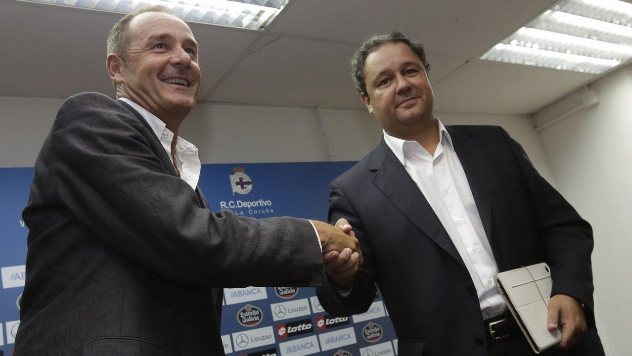 Víctor Fernández fue su primera apuesta personal para el banquillo blanquazul. Acabaría cesado.