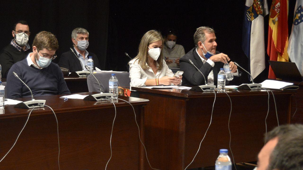 Representantes del grupo municipal del PP, durante el pleno de la corporación de Pontevedra