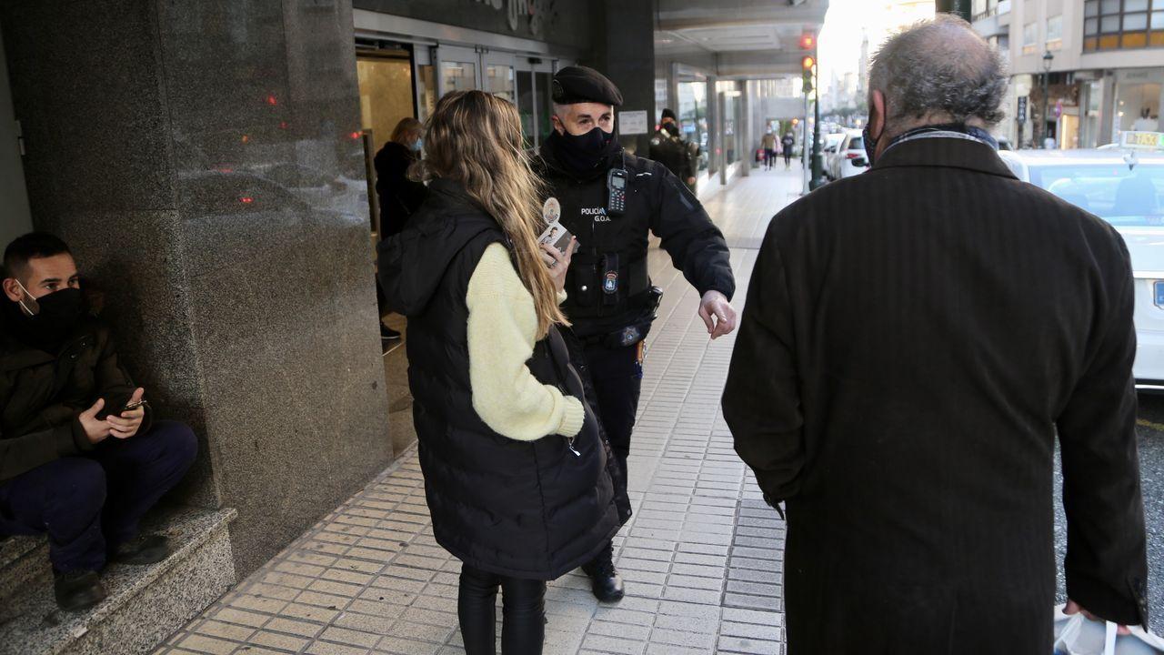 Los hosteleros y comerciantes protestan en Teis