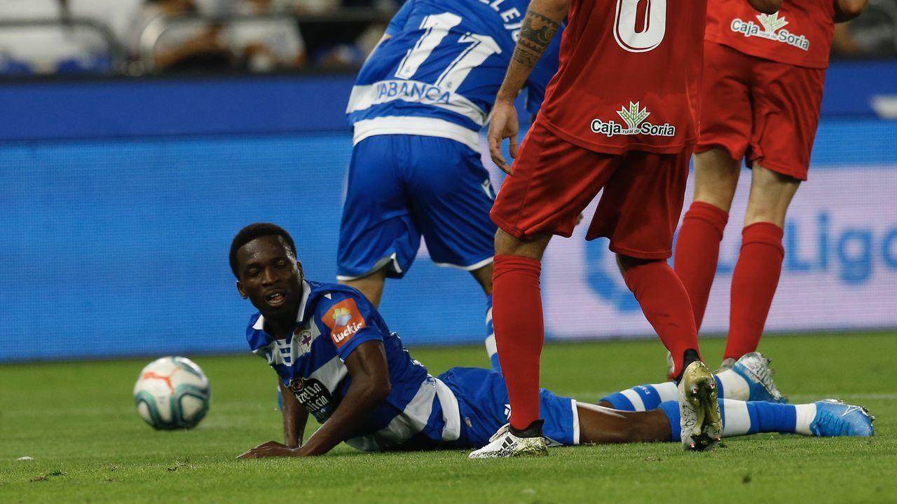 Las mejores imágenes del Deportivo - Mirandés.Tres de los cuatro goles de Aketxe han llegado en jugadas a balón parado