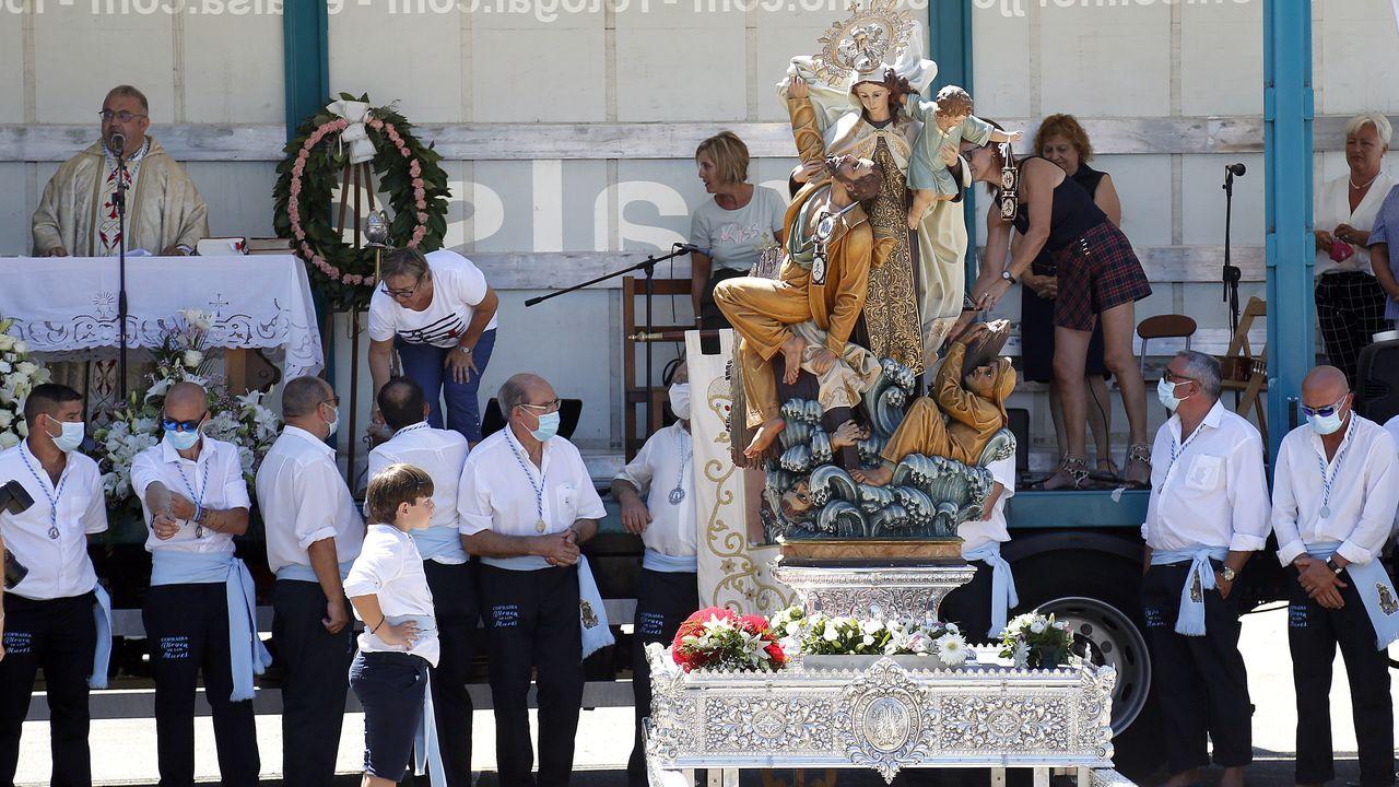 ¡Así se vivió la procesión dela Virgen del Carmen en Lampón!.Manuel Velo, ICBoiro