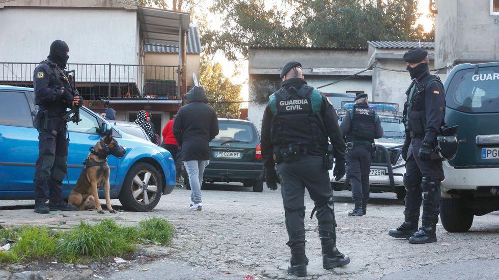 El autor confeso de la muerte de Marta Calvo asegura que la descuartizó.Llegada de los detenidos en la operación del narcosubmarino a los juzgados de Cangas