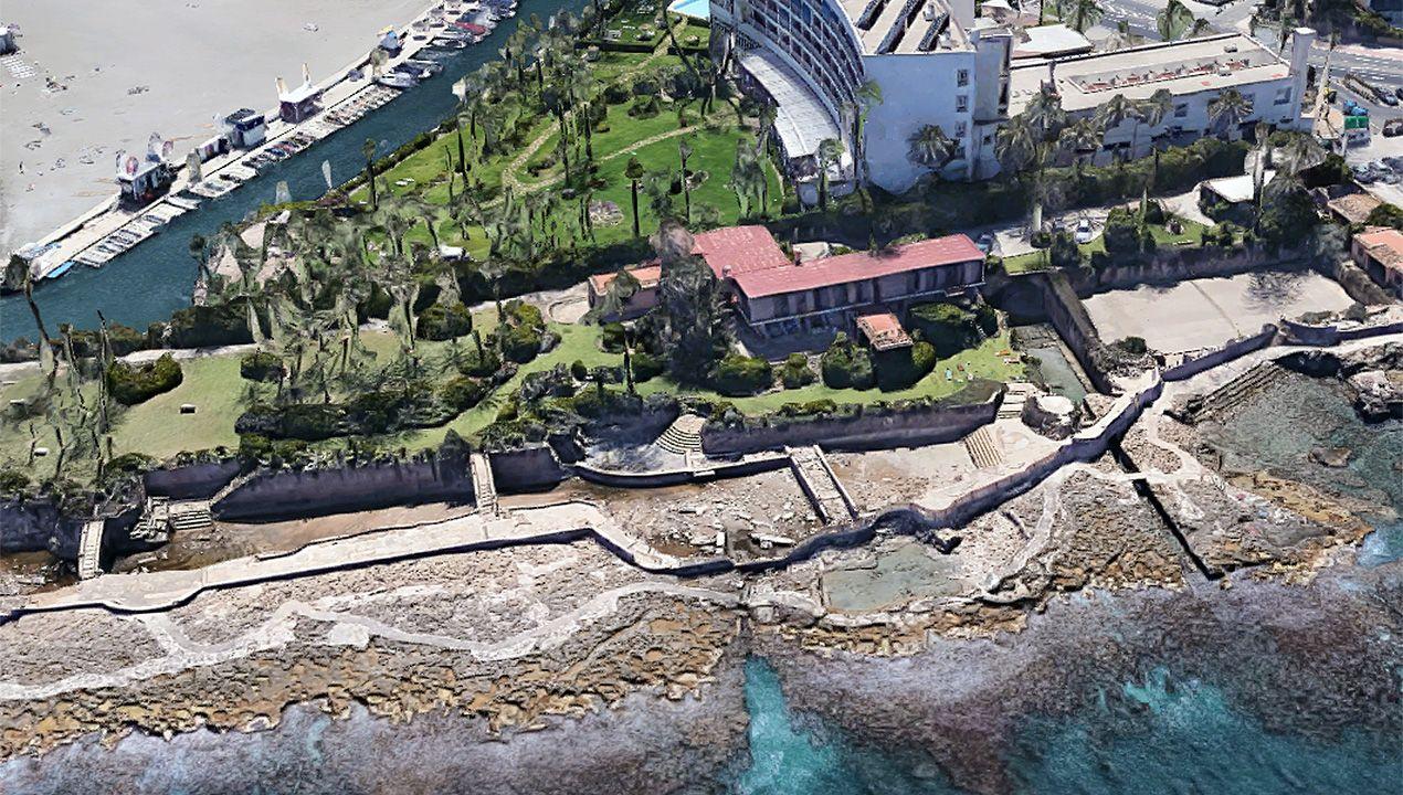 En el centro de la imagen, el chalet que el ministro franquista Mariano Navarro se construyó en Jávea (Alicante). Junto al mar se aprecian los escombros en el yacimiento romano, una piscifactoría que se usó como piscina de agua salada