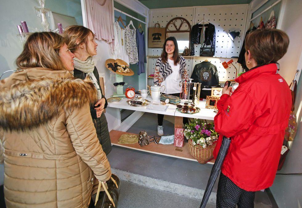 Mámoa, grupo pionero en promover la lactancia en Galicia, se reúne todas las semanas en el centro sociocultural A Trisca.