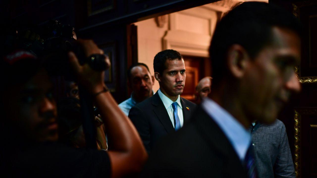 Juan Guaidó, a su llegada este lunes a la Asamblea Nacional de Venezuela