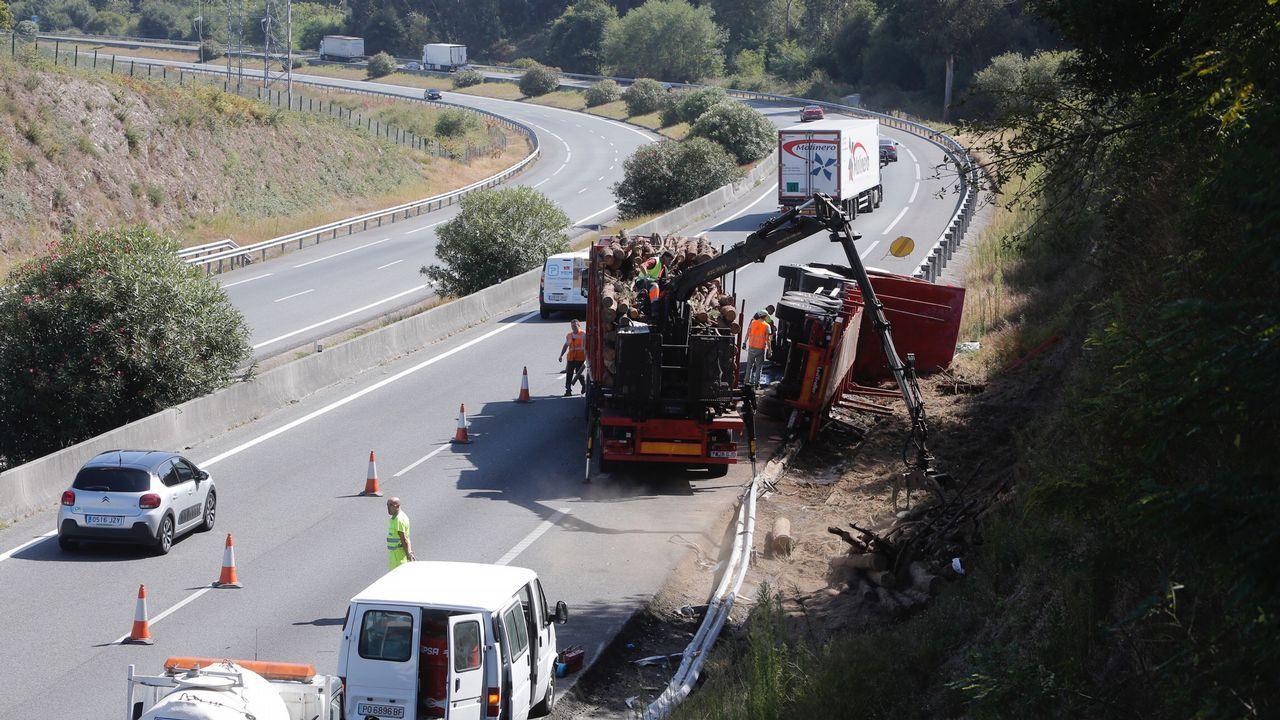 Herido un conductor en una salida de vía en Pontevedra