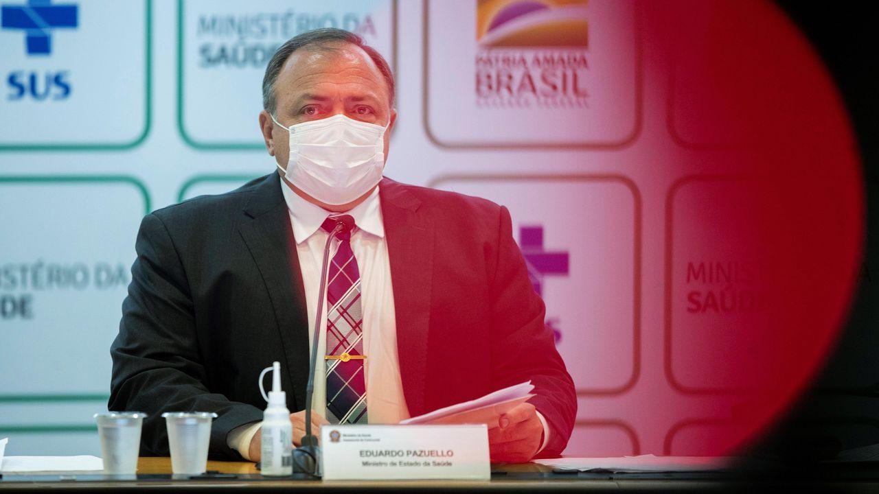 Eduardo Pazzuello presentó el lunes un balance de su gestión del covid antes de ser destituido como ministro brasileño de Salud