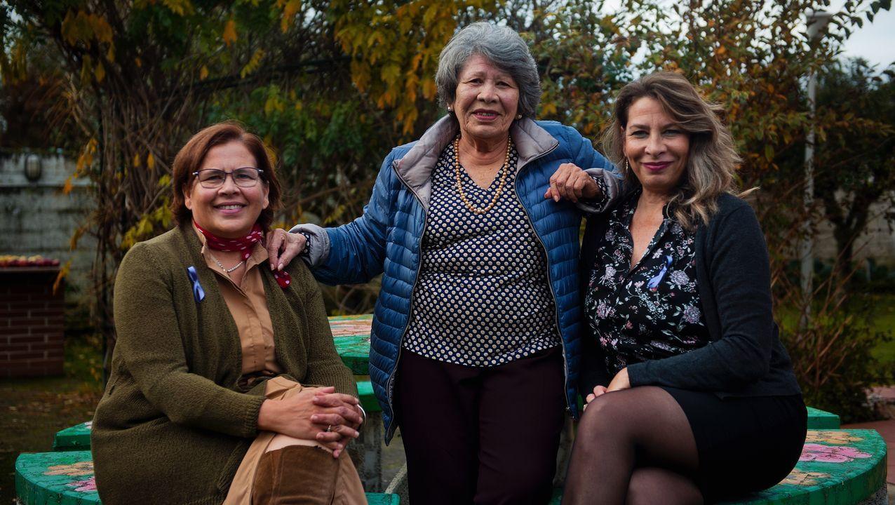 Guaidó: «Espero que la democracia española sea fuerte para hacer frente a la dictadura de Maduro».Militza y Diolitza, junto a su madre, Ana