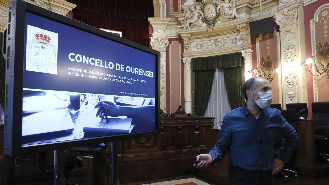 Gonzalo Pérez Jácome, alcalde de Ourense, en una rueda de prensa el mes pasado en la que presentó los resultados de su programa de ayudas