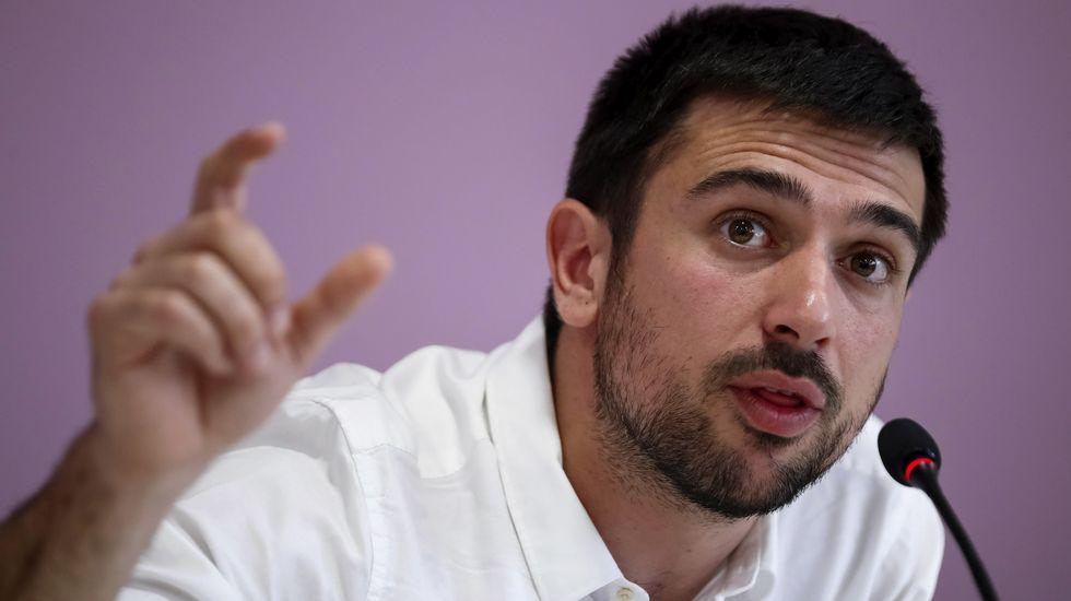 Espinar ganó 19.000 euros tras vender una vivienda protegida en la que no llegó a vivir.Areces, en el Senado