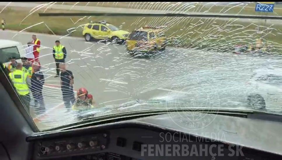 Así se vivió el doble atentado de Estambul.Así fue el impacto del ave en el avión del equipo turco