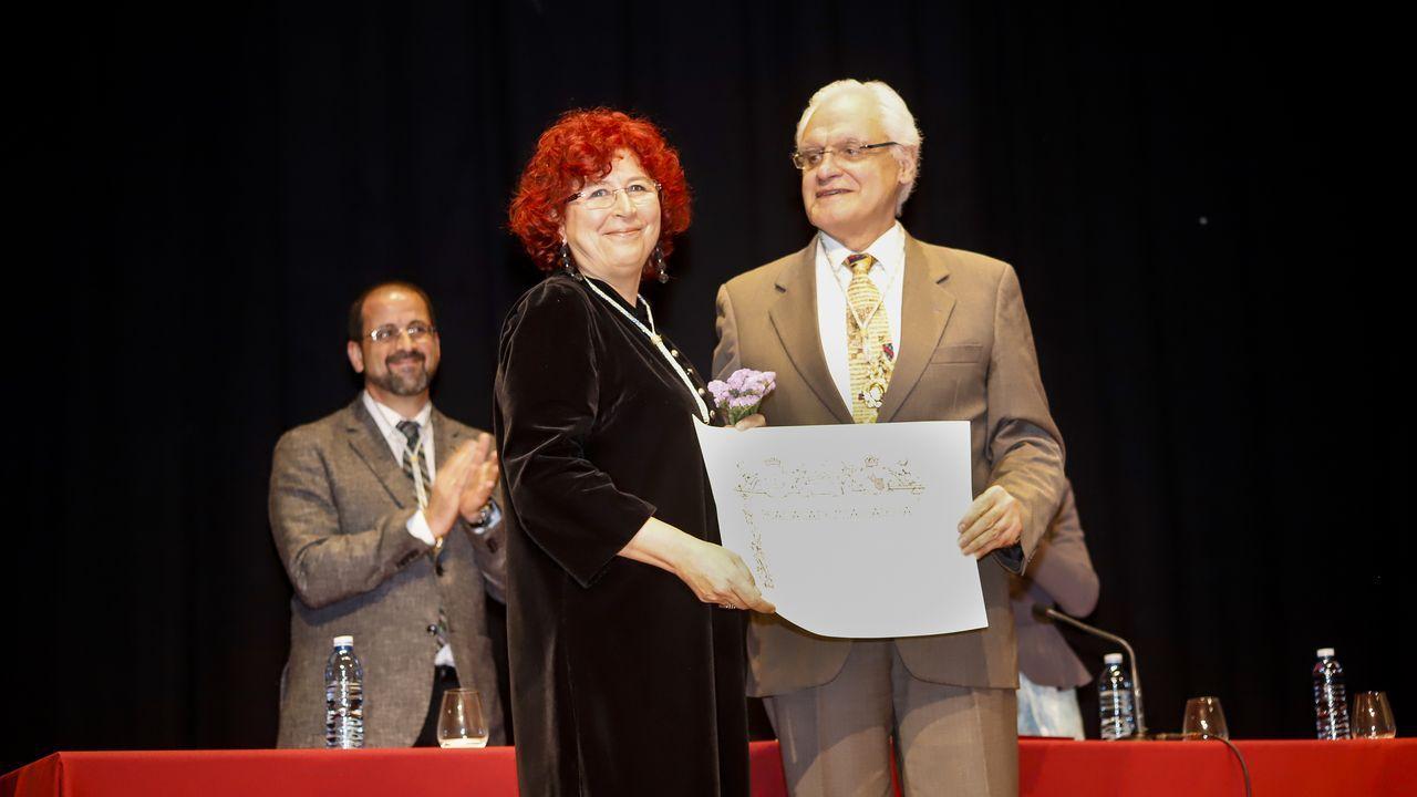 Ana Romaní ingresana Real Academia Galega nun multitudinario acto en Noia