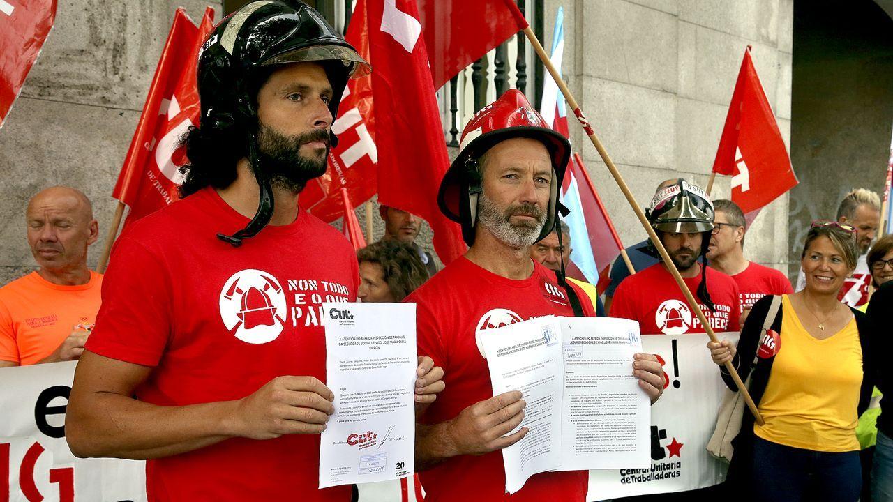 Los bomberos de Vigo comienzan la primera huelga de su historia.Los bomberos de Vigo, en imagen de archivo