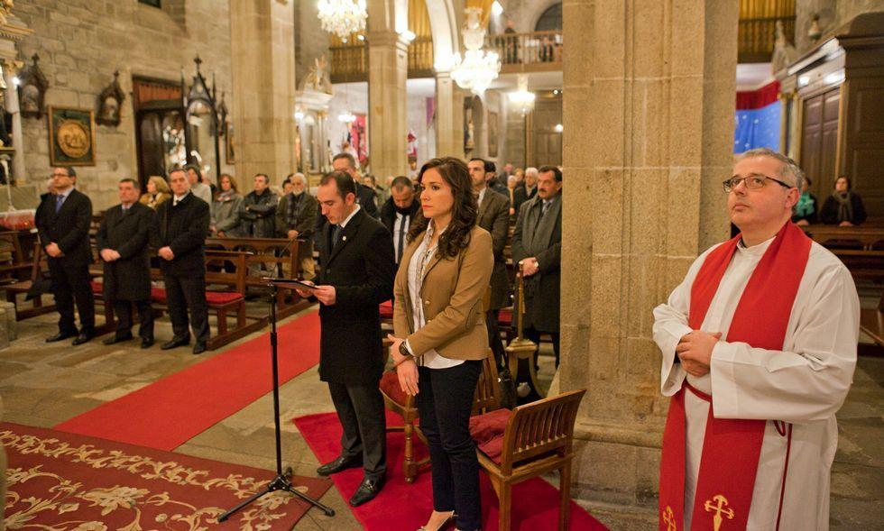 La moción aprobada aparta al alcalde (en la foto, en la ofrenda de la Traslatio) de actos religiosos.