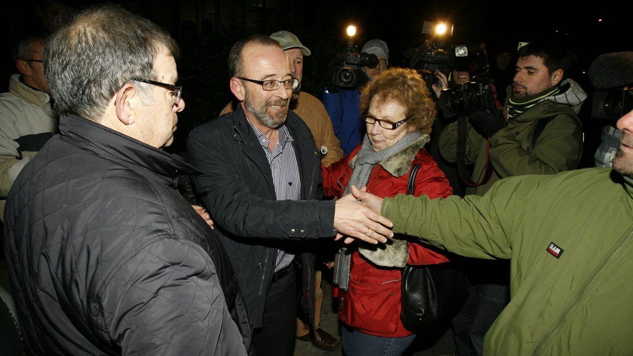 Rallo: «Yo se lo dije a la ministra».Antonio Lanchares, en el centro, antes de declarar por el accidente del Alvia