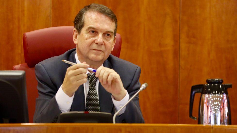 «É o momento máis crítico para o Partido Socialista».Ricardo Varela, Margarita Pérez, Laura Seara y Teresa Taboada