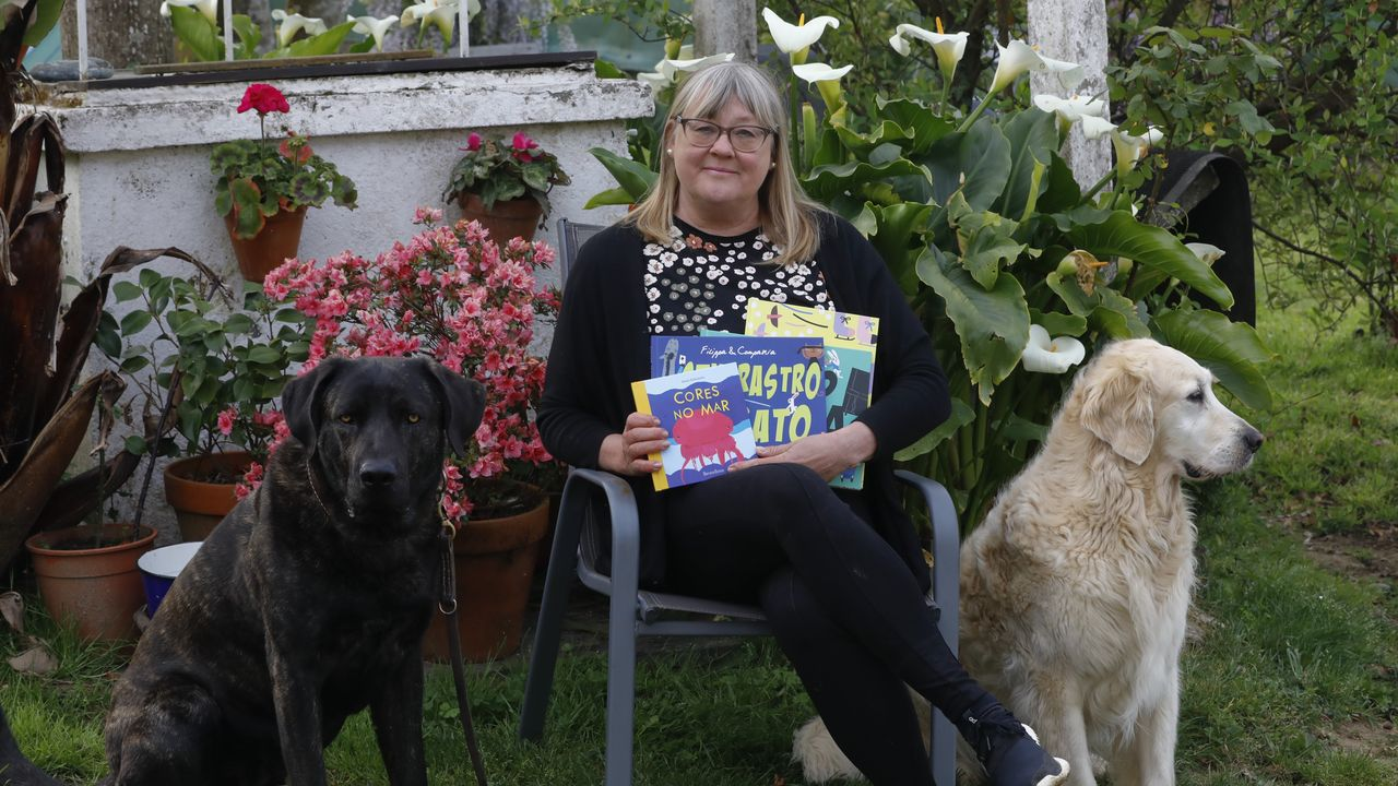 La tecelana Miriam Fernández firmará en Vilalba ejemplares de su libro «As mulleres de Insua e o liño»