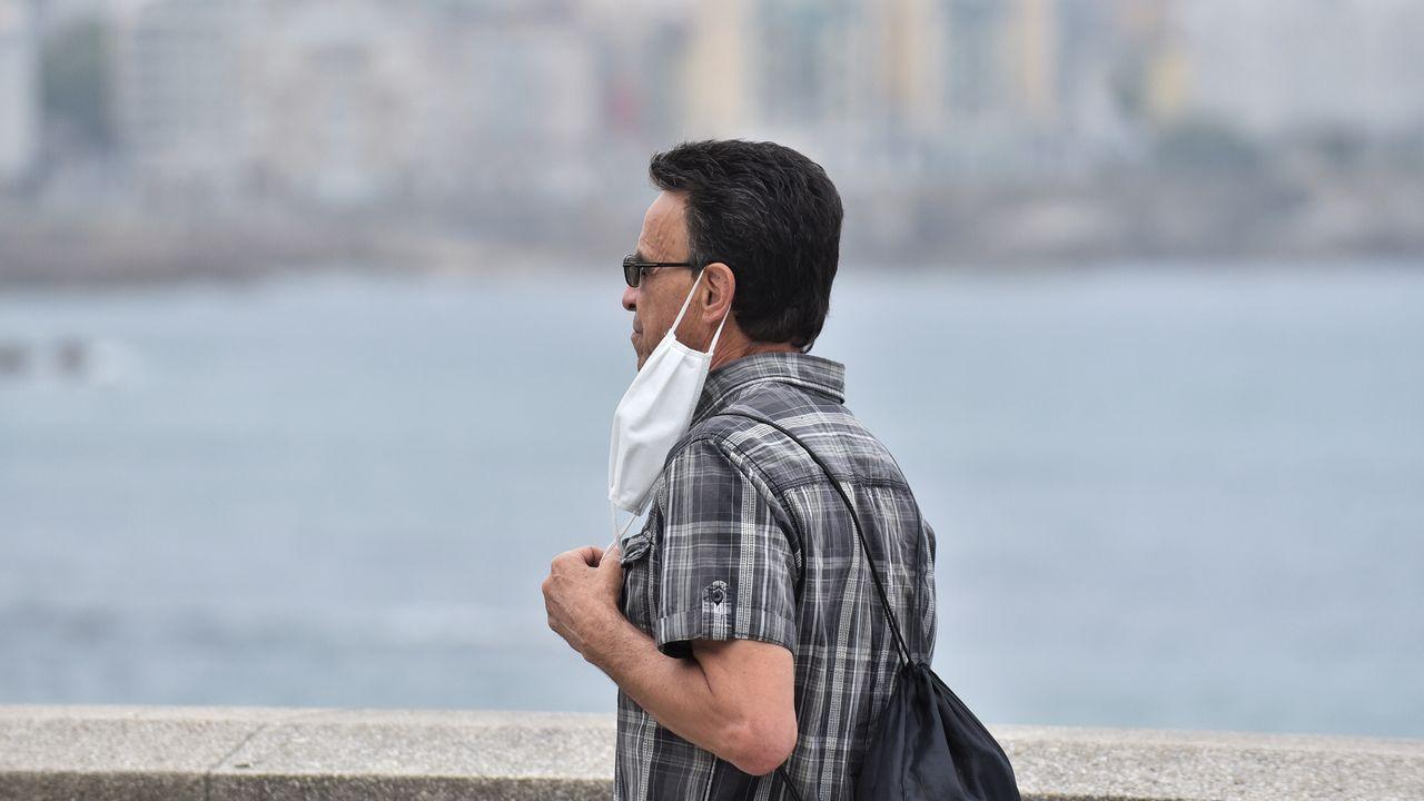 Primer día de uso obligatorio de la mascarilla en A Coruña