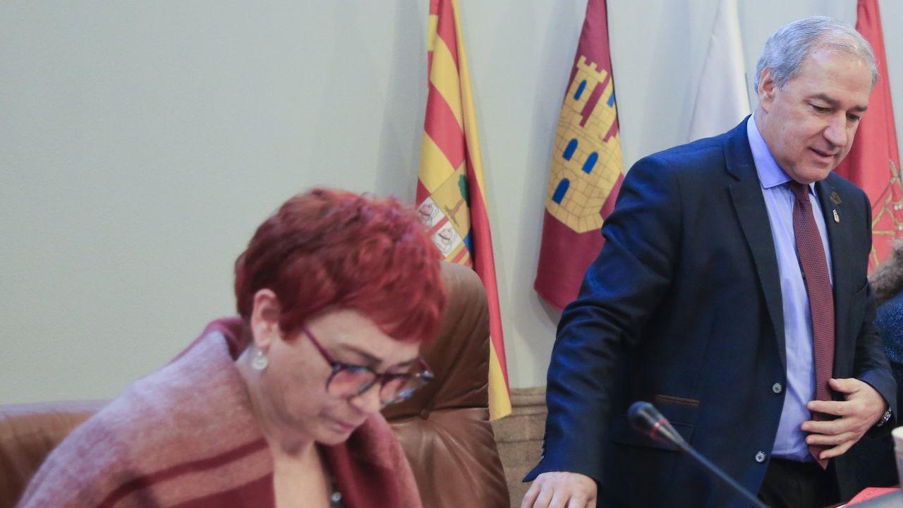 José Tomé, presidente de la Diputación, y Maite Ferreiro, vicepresidenta, en un pleno
