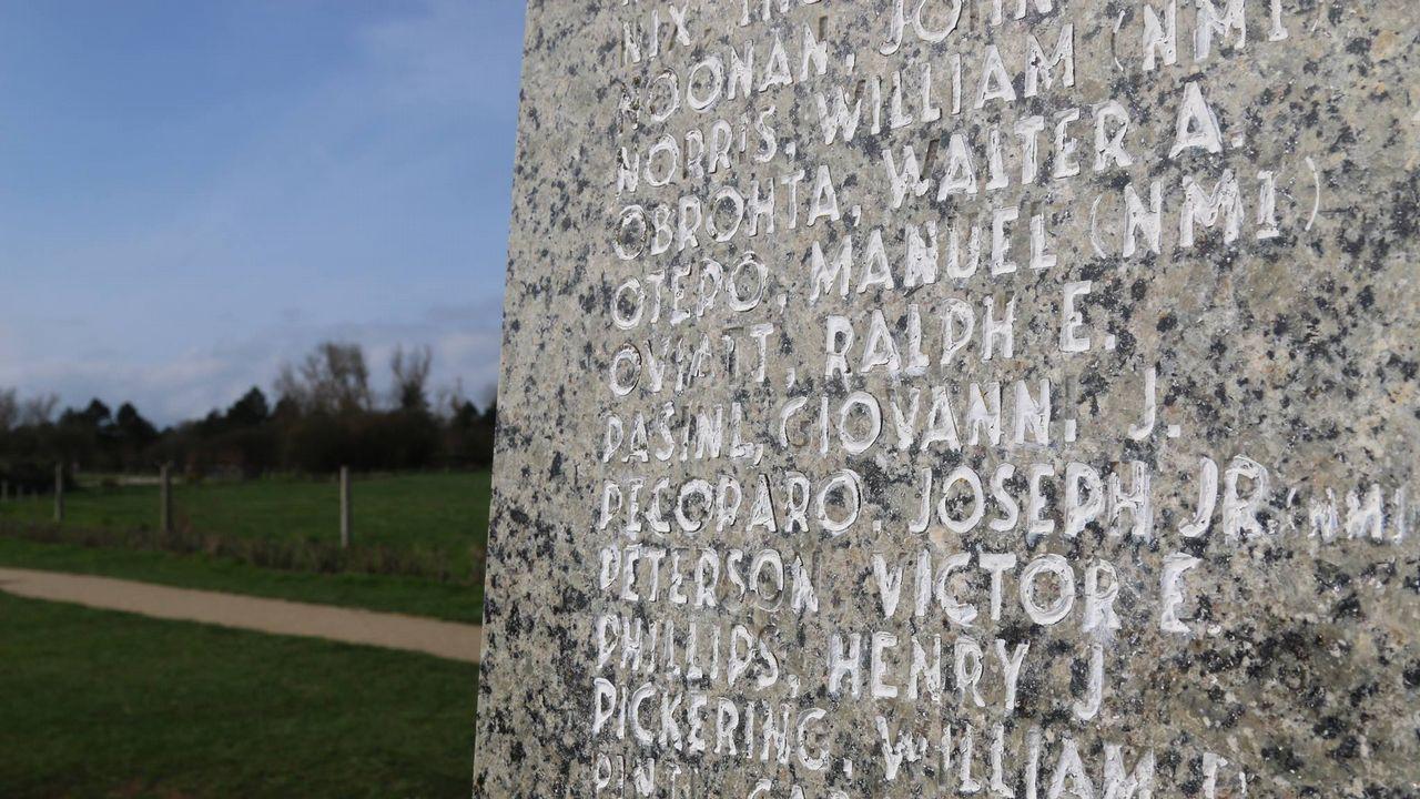 Monumento erigido en el pueblo normando de Colleville en honor a los caídos en donde figura el nombre de Manuel Otero Martínez