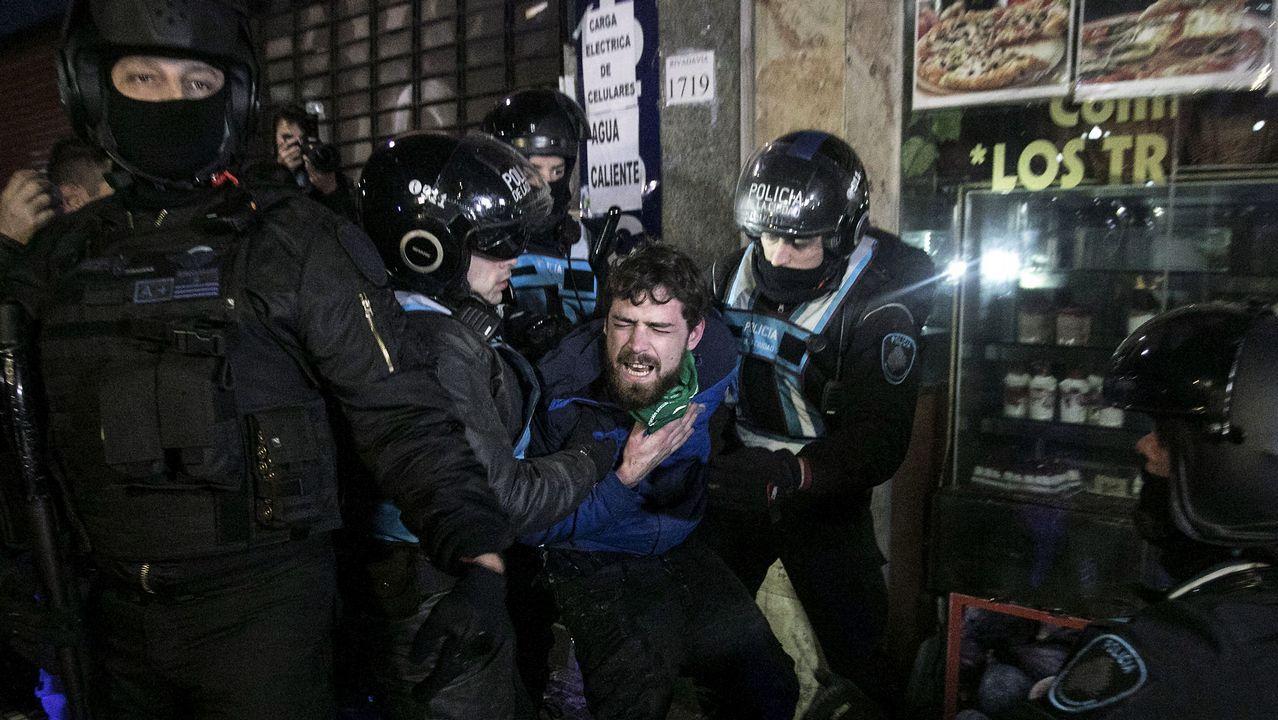 La Policía detuvo a personas que generaron disturbios en el lugar