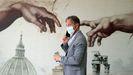 Un hombre con mascarilla, en el aeropuerto de Roma-Fiumicino