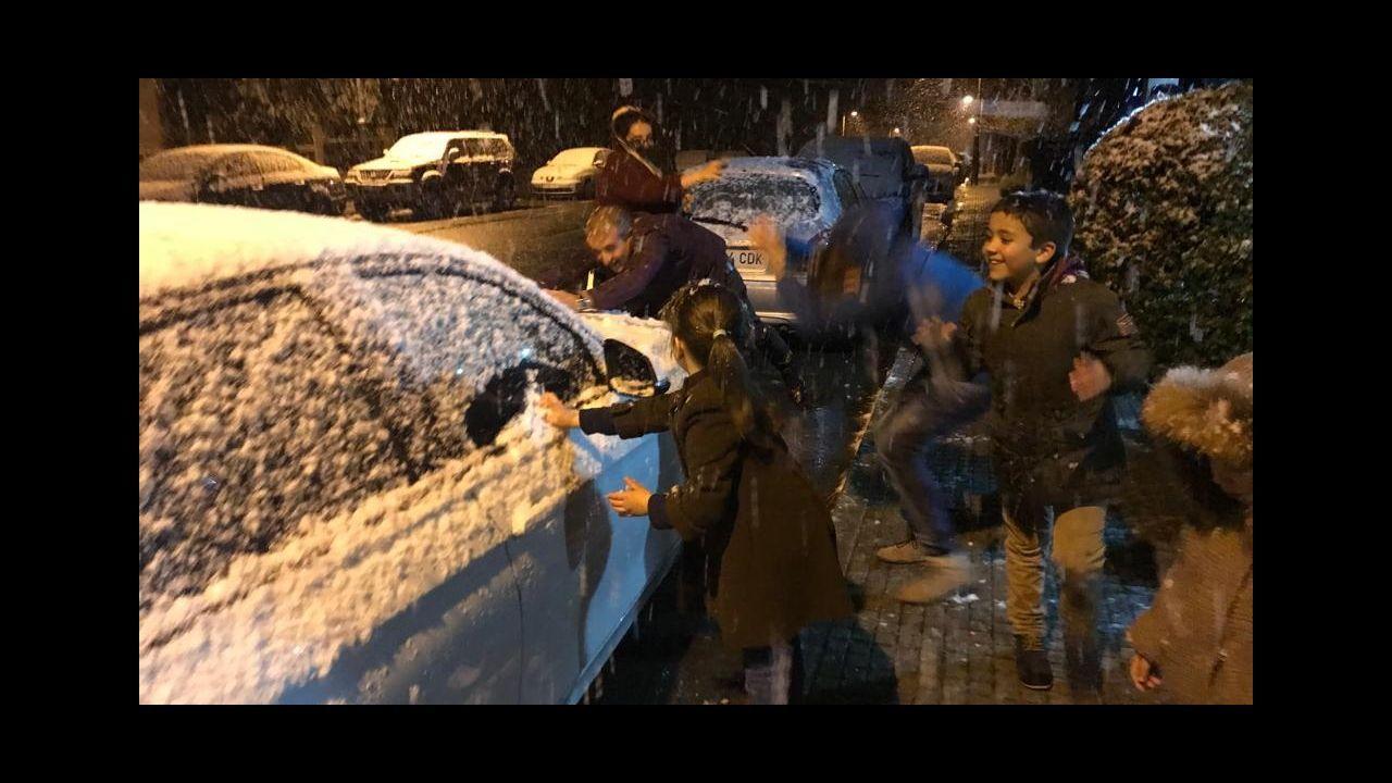 Asturias recupera la normalidad.La nieve cubre Laviana
