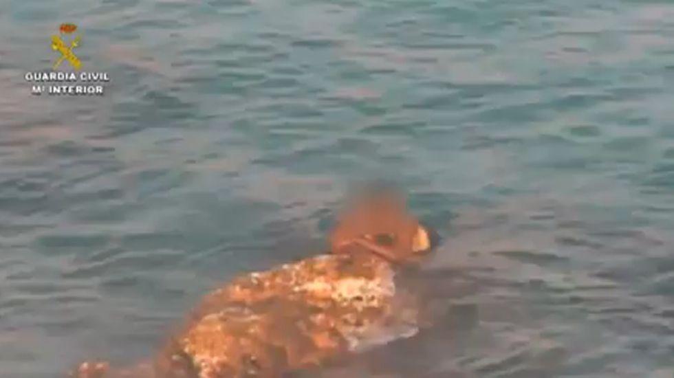Salvado un marfileño que pretendía entrar a nado en Ceuta