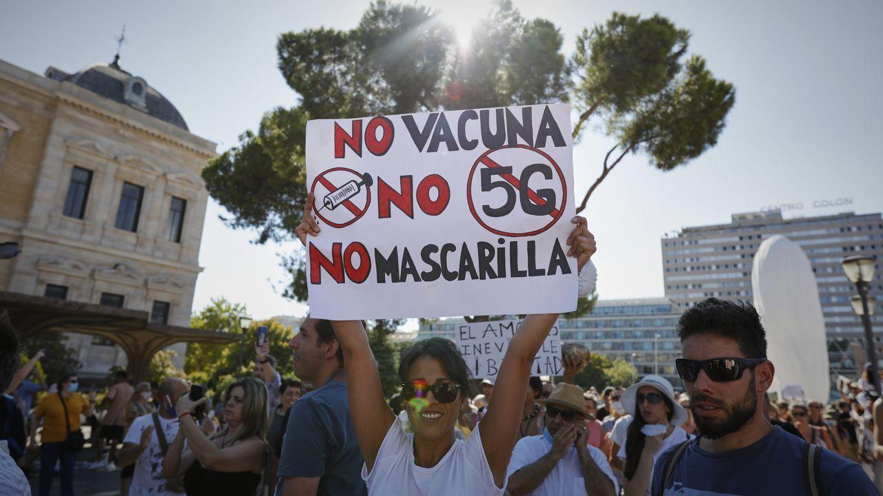 Unas 2.500 personas se concentran en Madrid contra el uso de mascarillas