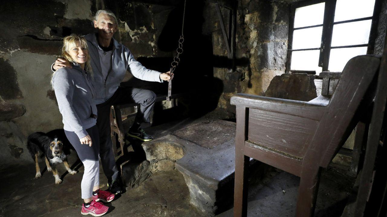 Jeff y Claudia, la pareja que restauró una aldea en Xerdiz, la vende ahora por motivos familiares