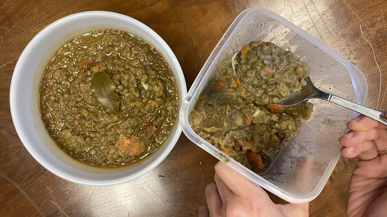 A la izquierda, el plato preparado con la Thermomix. A la derecha, la versión de la Monsieur Cuisine