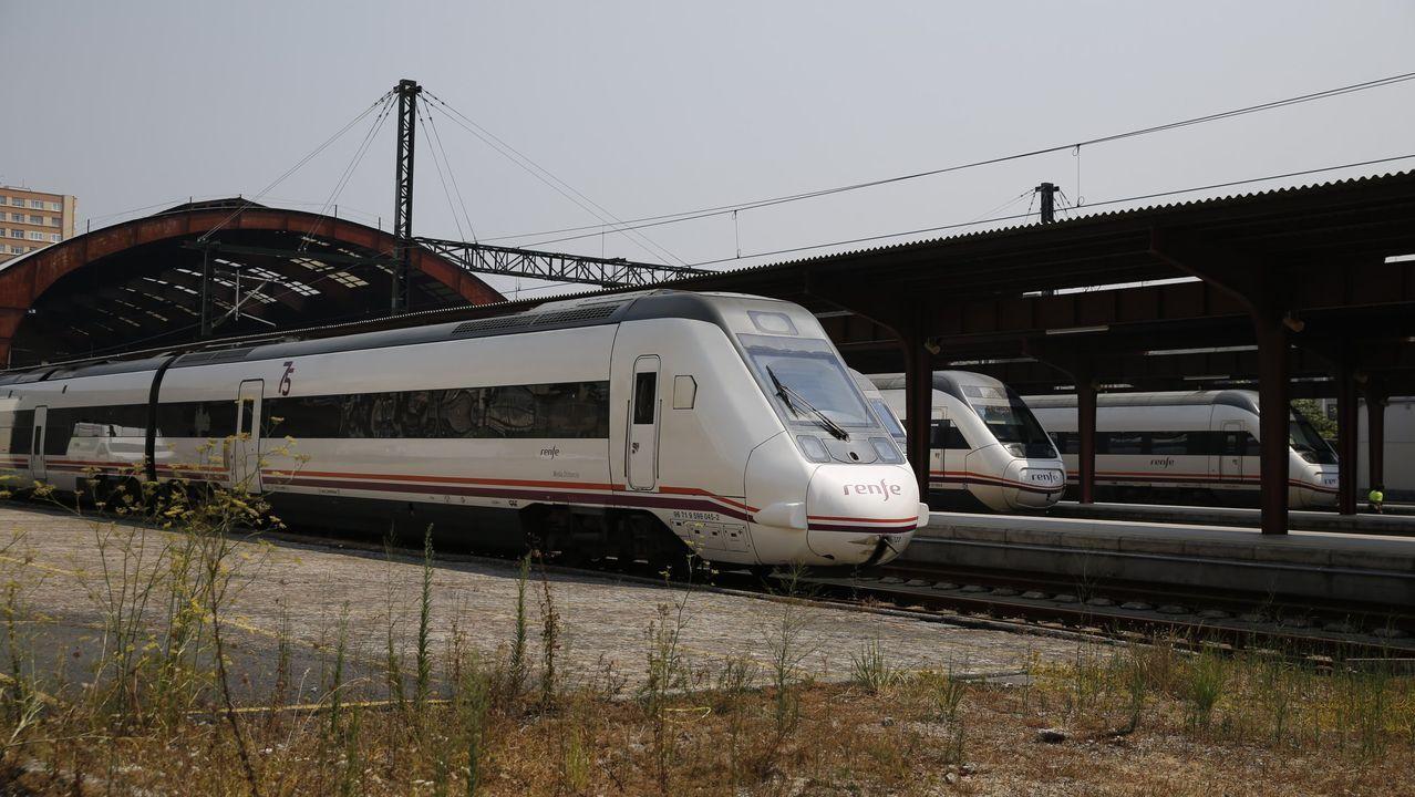El tren Alvia afectado, similar al de esta imagen de archivo, partió de la estación de A Coruña
