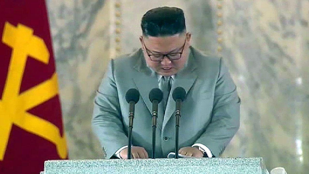 Kim Jong-un, en el congreso del partido norcoreano.Kim Jong-un se emociona durante un discurso