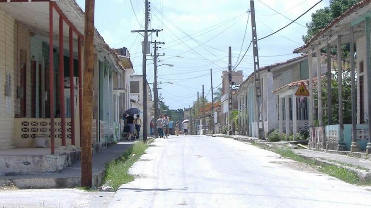 Una pareja inglesa compra una aldea en Viveiro.El asturiano Martín López-Vega