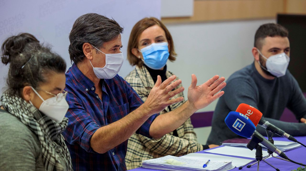 Uno de los portavoces del Consejo Ciudadano Autonómico de Podemos Asturies, Enrique López ha asegurado en rueda de prensa este sábado que afronta la renuncia al acta de diputada de la hasta ahora portavoz parlamentaria, Lorena Gil, a la que ha agradecido su  trabajo incansable ,