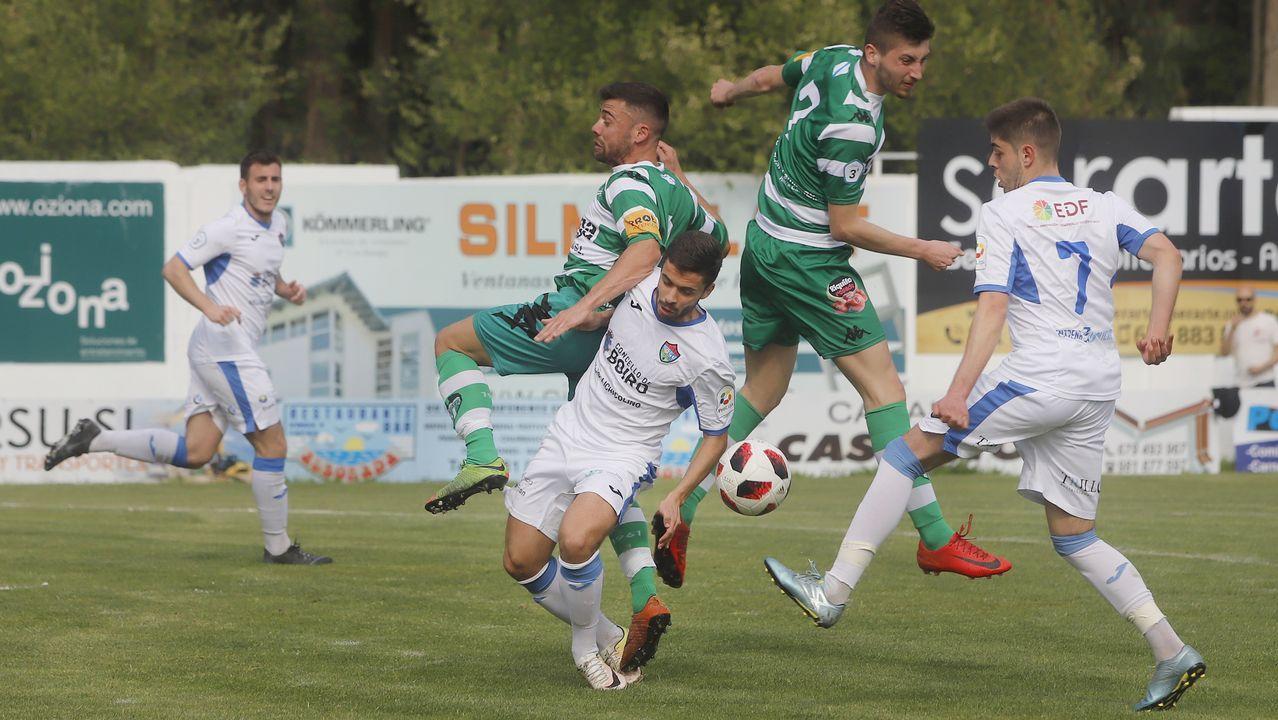 El derbi Paiosaco-Laracha, ¡en imágenes!.Didier Moreno jugó de mediocentro defensivo contra el Almería y en la segunda parte de Oviedo