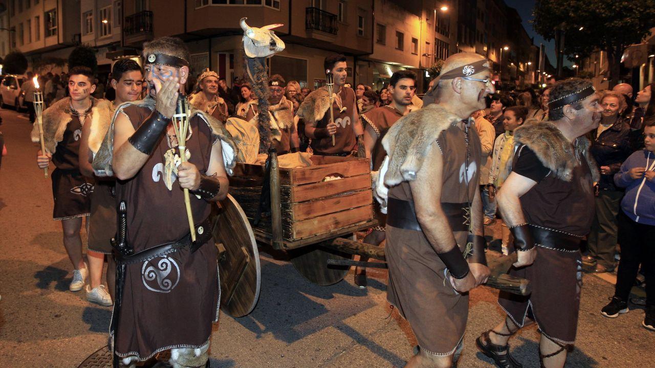 LosCastrexosde Burela se divierten con los juegos