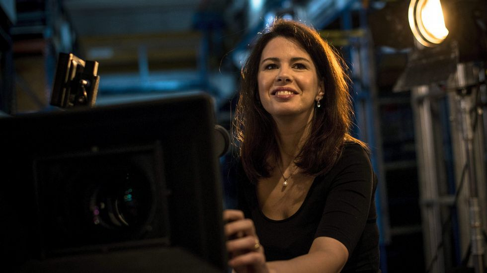 Concha Velasco: ««Hoy es el día de la Mujer normal, a secas».La camarógrafa Eszter Csepeli trabaja en un estudio de la compañía Sparks Camera and Lighting Ltd. en Budapest