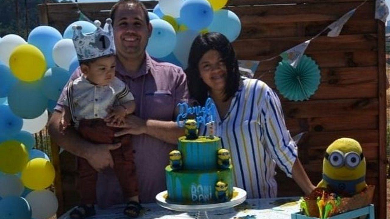 Lorena y Daniel con su hijo en una imagen de hace unos meses