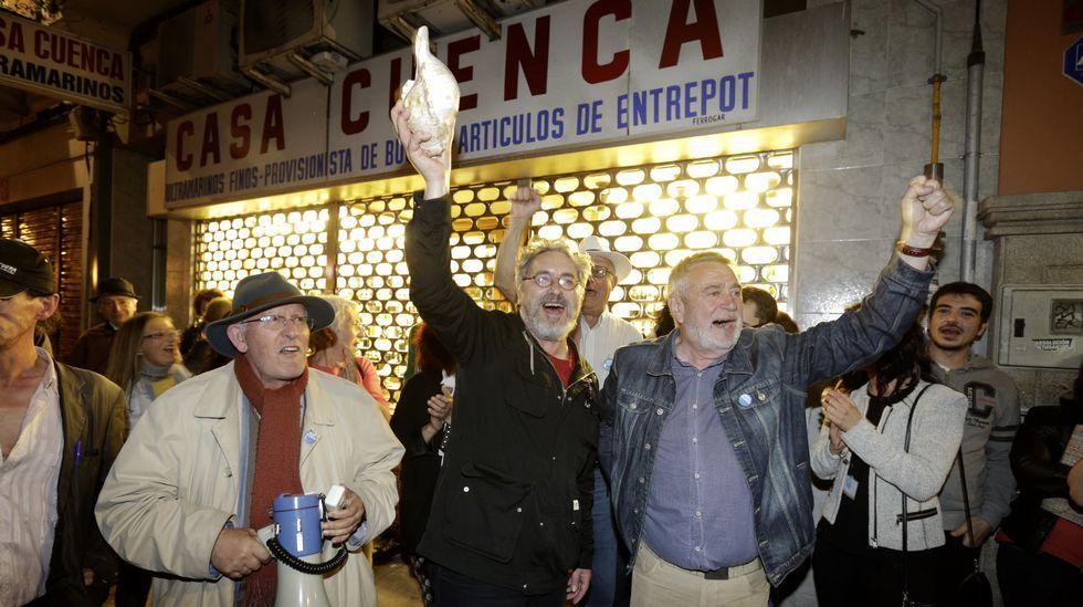 Manolo Rivas celebra el resultado de la Marea en A Coruña.