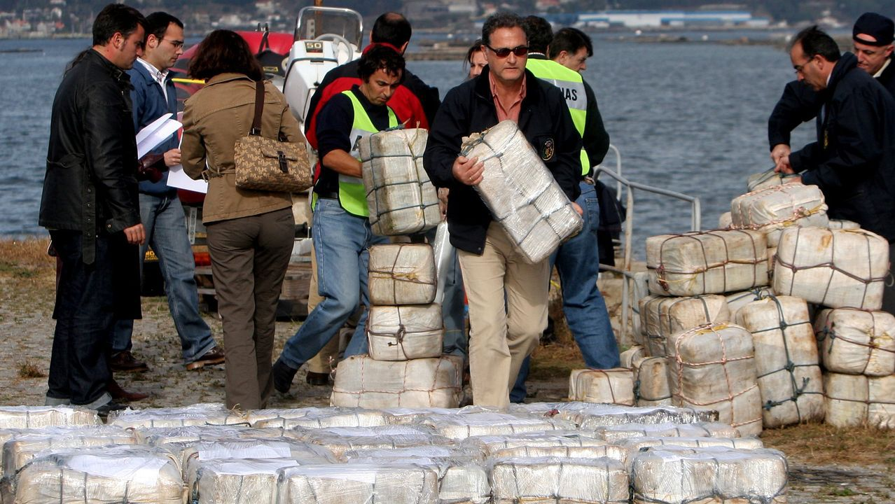 Guaidó: «Espero que la democracia española sea fuerte para hacer frente a la dictadura de Maduro».Imagen del alijo de la operación Piraña, con 4.000 kilos de cocaína