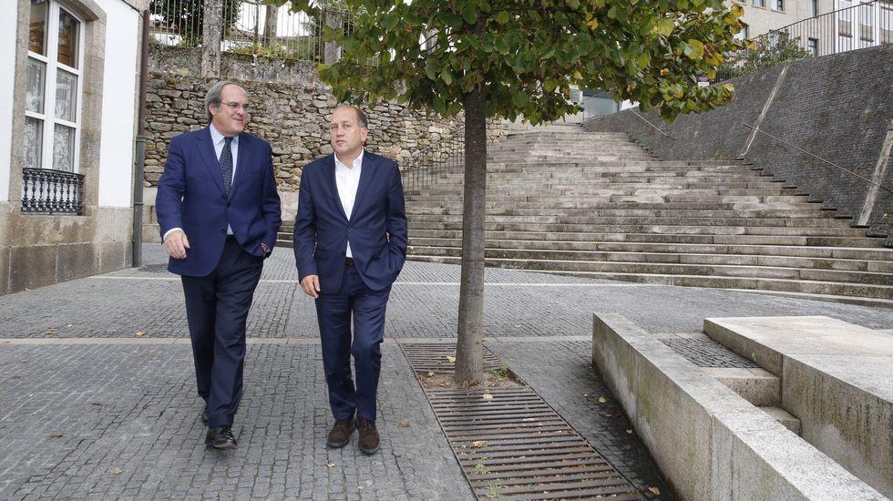 Susana Díaz: «El PSOE no es patrimonio solo de sus militantes».Gabilondo y Leiceaga, juntos en Santiago.