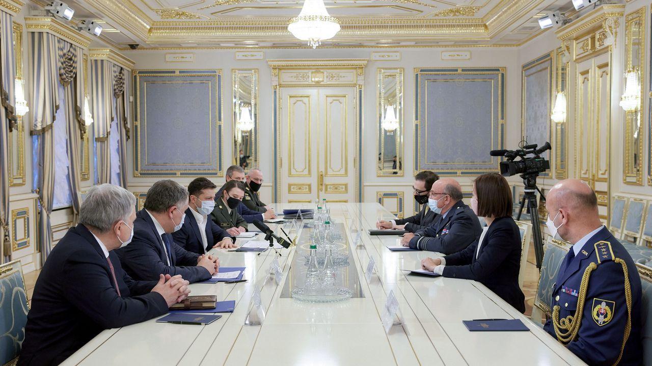 Así está siendo el inicio del despliegue de la Brilat en Rumanía.El presidente Zelenski durante su visita a las tropas en el Donbás