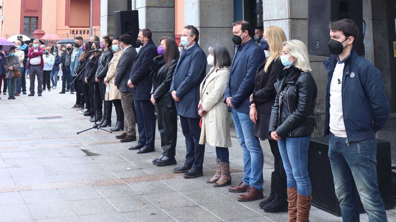 Concentración en Laviana por el crimen machista de Teresa Aladro